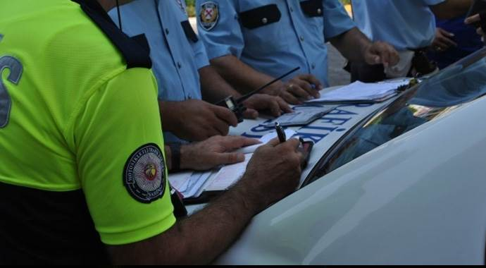 Trafik cezaları e-Devlet'ten öğrenilebilecek