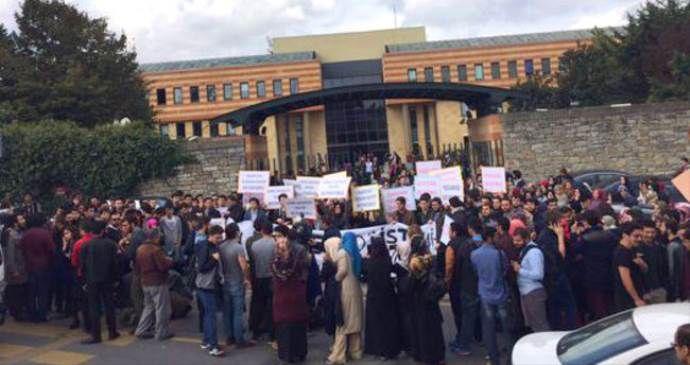 Şehir Üniversitesi öğrencileri paralel rektöre karşı ayaklandı