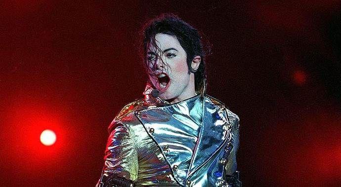Michael Jackson ölümünden sonra da kazandırmaya devam ediyor