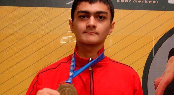 İşitme engelli sporcu  Eskişehir'i gururlandırdı