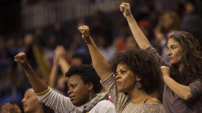 ABD'de ırkçılık protestoları rektörü istifa ettirdi