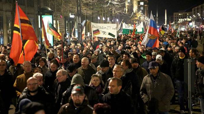 Irkçı PEGIDA, Dresden'de toplandı