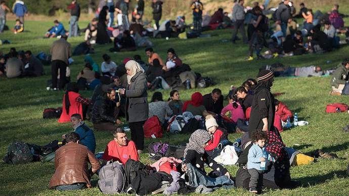 Avusturya hükümetine 'insan kaçakçılığı' davası