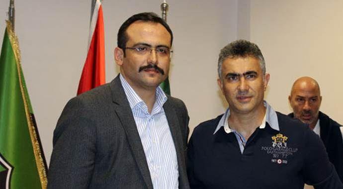 Denizlispor yönetimi yollarını ayırdığı Mehmet Altıparmak'ı uğurladı