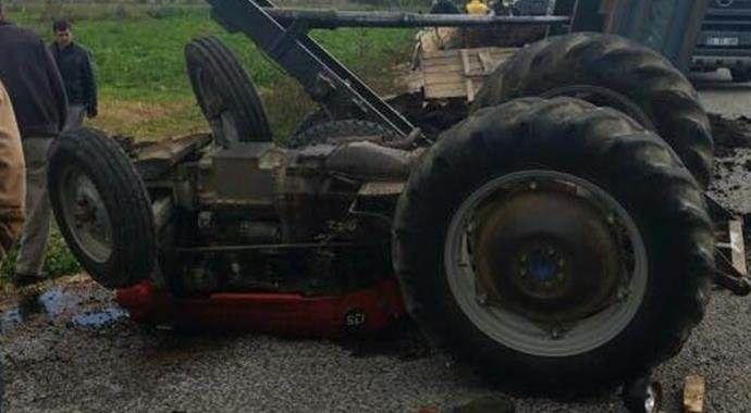 Devrilen traktörün altında feci şekilde öldü