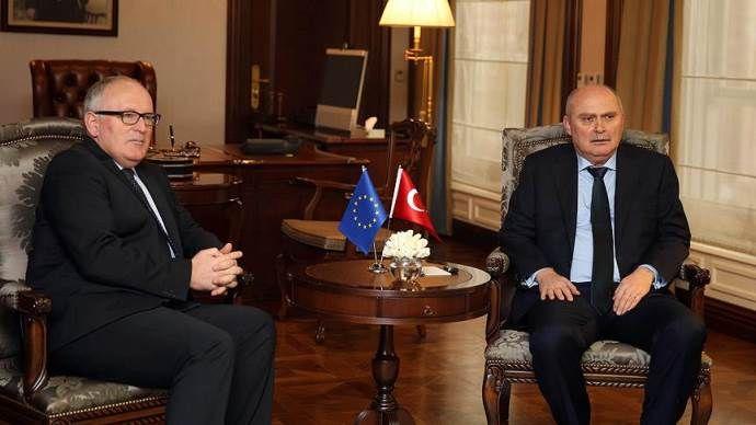 Sinirlioğlu, Timmermans'a Türkiye'nin görüşlerini iletti
