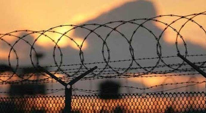 Slovenya sınıra tel örgü çekiyor