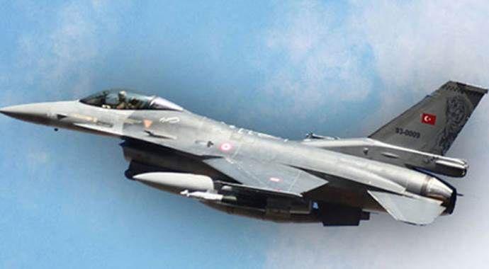 Türk jetlerine taciz!