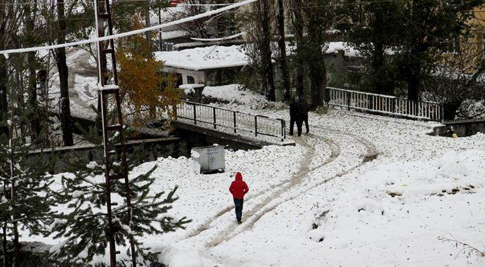 Ardahan'da okullar kar sebebi ile yarın da tatil edildi