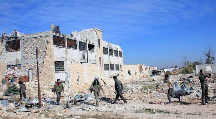 Rus savaş uçakları Halep'e bomba yağdırıyor