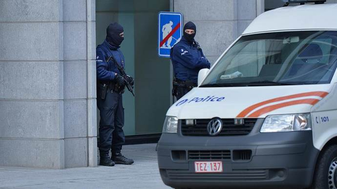 Paris saldırılarıyla ilgili Belçika'da gözaltı