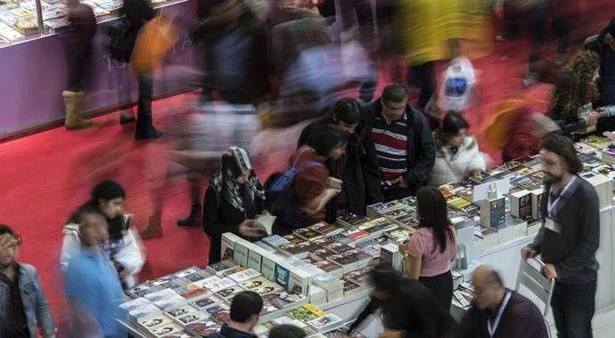 Ünlü yazar ve şairler 34. Uluslararası İstanbul Kitap Fuarı'nda
