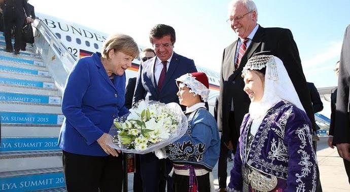 Merkel G-20 zirvesi için Antalya'da
