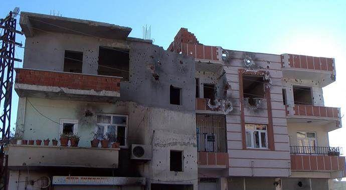 Teröristlerin Silvan'da açtıkları tahribatın izleri silinmiyor
