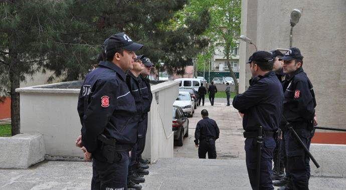 Batman'daki terör operasyonunda yakalanan 14 kişi adliyeye sevk edildi