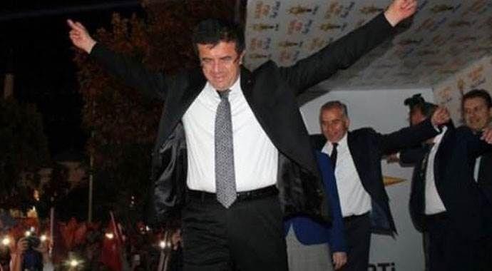 Bakan Zeybekçi seçim sonuçlarını böyle kutladı