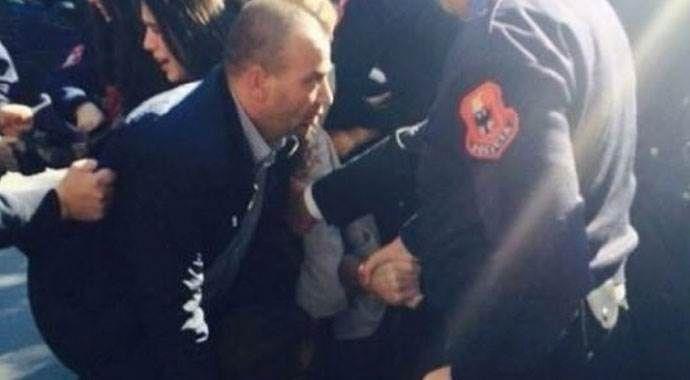 Arnavutluk başbakanına yumurtalı saldırı