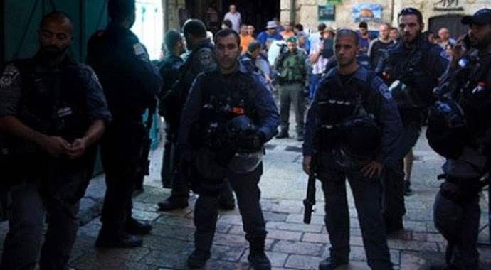 İsrail, Mescid-i Aksa'ya girişleri yasakladı