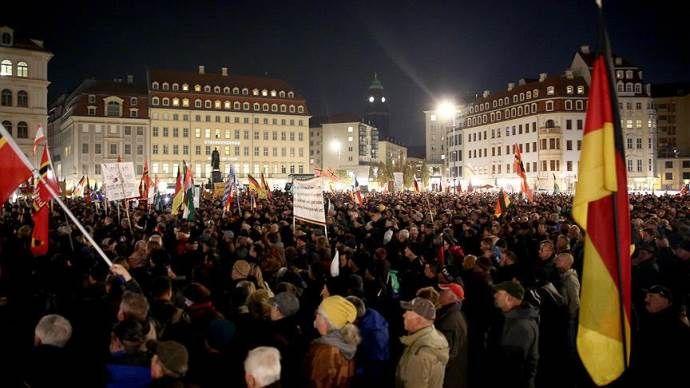 Irkçı PEGIDA, Dresden'de 36. İslam karşıtı gösterisini yaptı