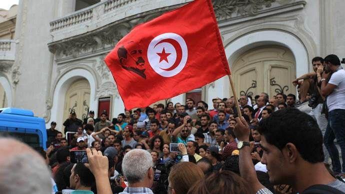 Tunus'ta siyasi kriz işaretleri