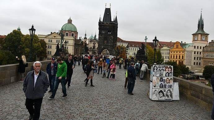 Çek Cumhuriyeti'nde evsizleri 'modem' yaptılar
