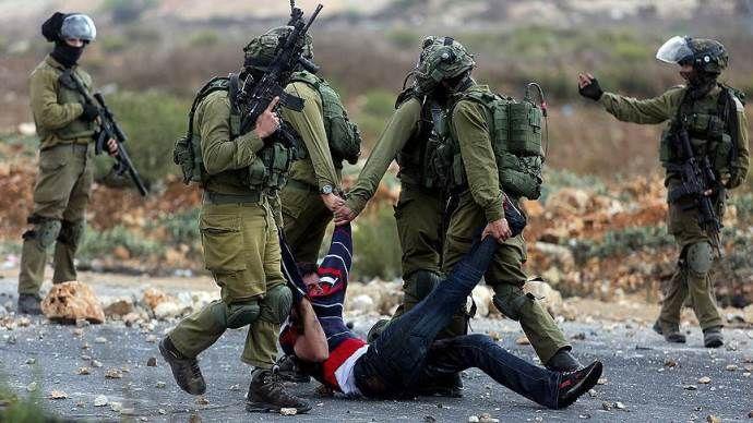 İşgalci İsrail güçleri, 50 Filistinliyi gözaltına aldı