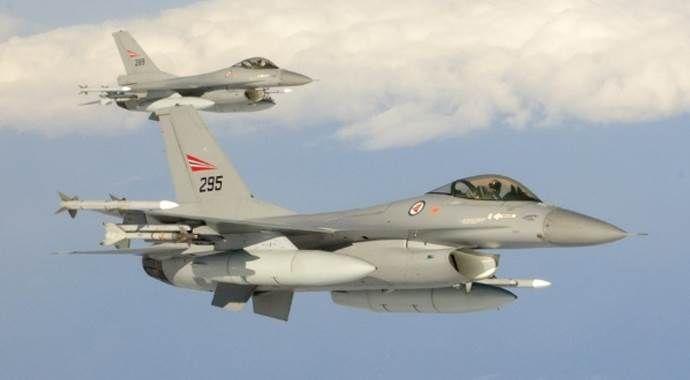 Rus uçakları Rakka'yı vurdu: 42 ölü