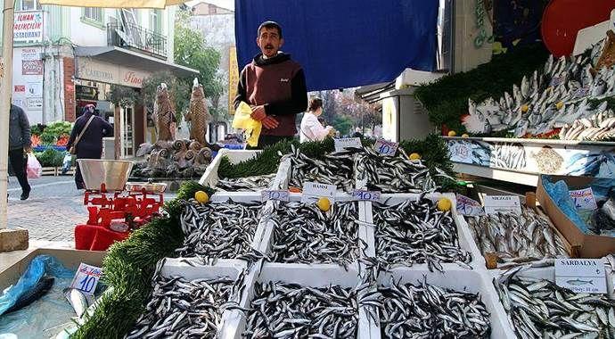 Balık bolluğu tezgahları şenlendirdi