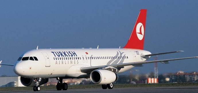 Yolcu intihara kalktı, THY uçağı acil iniş yaptı
