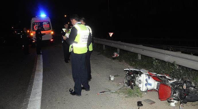 Motosiklet bariyere çarptı: 1 ölü