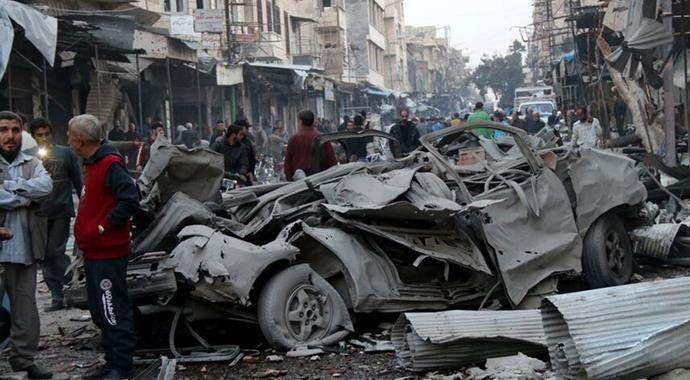 Rus jetleri İdlib'i bombaladı: 8 sivil öldü