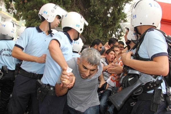 Adana'da derbi terörü