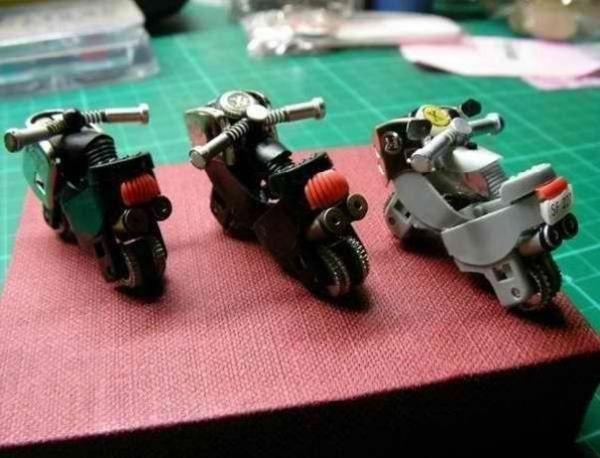 2 TL'ye motosiklet