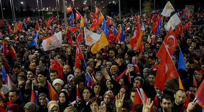 Başbakan Erdoğan'a 'kefenli' karşılama