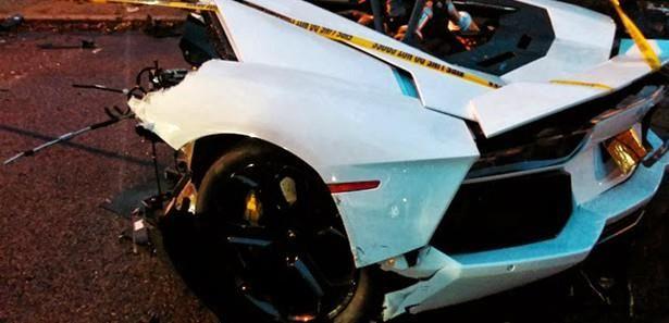 Lamborghini Aventador ortadan ikiye ayrıldı