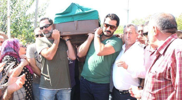 Tuncel Kurtiz, on binler tarafından defnedildi