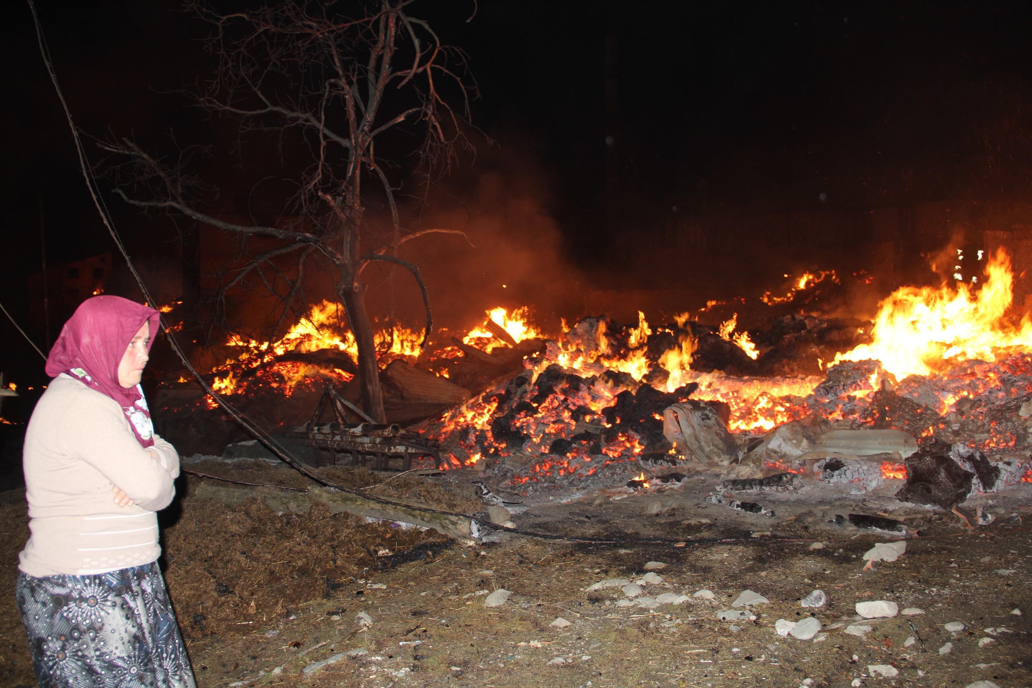 Çorum'da yangın! 30 ev kullanılamaz hale geldi
