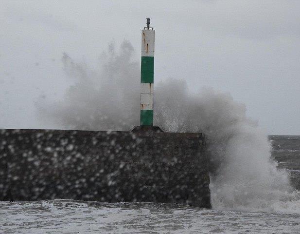 İngiltere şiddetli yağışlar ve fırtına