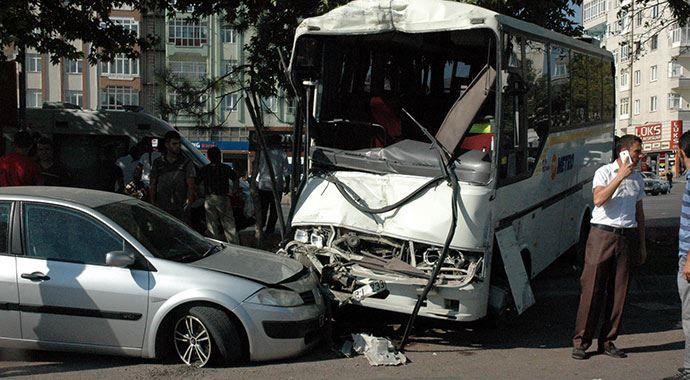Kayseri'de feci kaza: 1 ölü, 7 yaralı