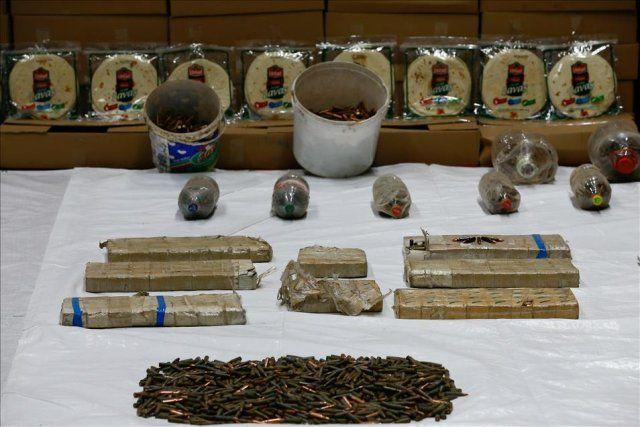 Sur'daki operasyonda çok sayıda silah ve mühimmat ele geçirildi