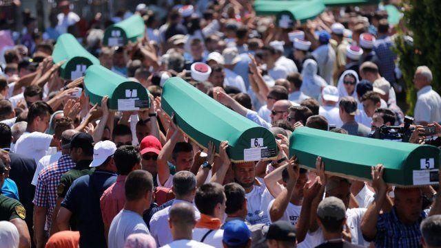 Srebrenitsa soykırımında katledilen 127 Bosnalı defnedildi