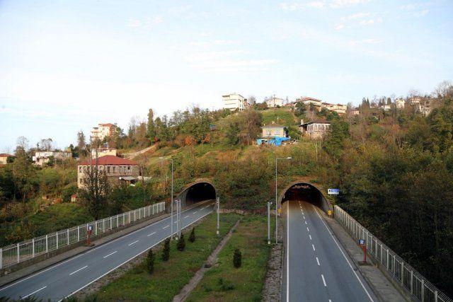 Doğayla bütünleşen tüneller ilgi çekiyor