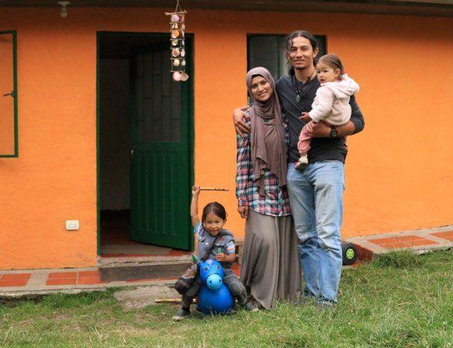 Kolombiyalı Müslüman çift çocuklarını Türkiye'de büyütecek