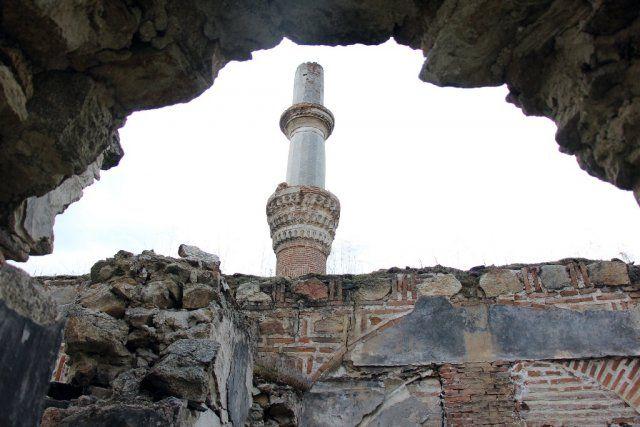 Pirlepe'nin Osmanlı camisi onarılmayı bekliyor