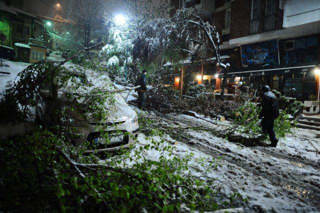 Saraybosna'ya Nisan'da kar yağdı