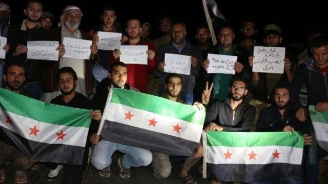 İdlib'de Türk askerine sevgi gösterileri sürüyor