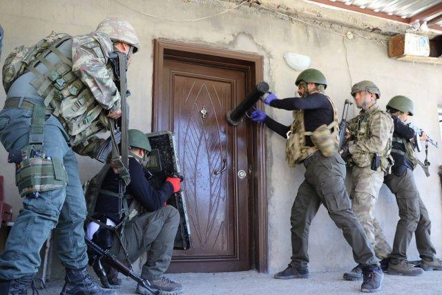 Jandarmadan Diyarbakır'da nefes kesen operasyon