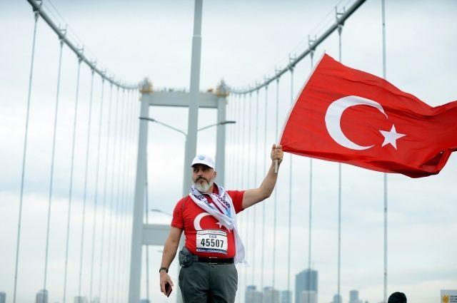 Vodafone 39. İstanbul Maratonu'nda renkli görüntüler oluştu