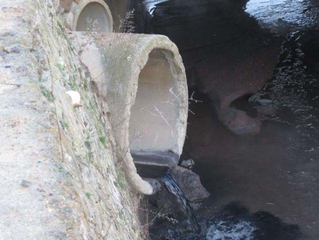 Tuzla'daki kokunun kaynağı görüntülendi!