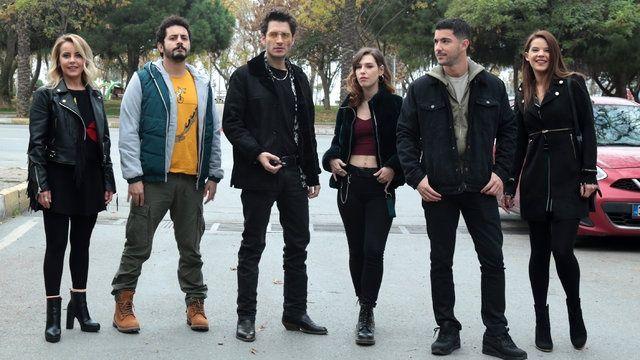 İki ay önce final yapan dizi 'Klavye Delikanlıları' geri dönüyor